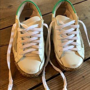 Golden Goose Superstar tennis shoes size 35